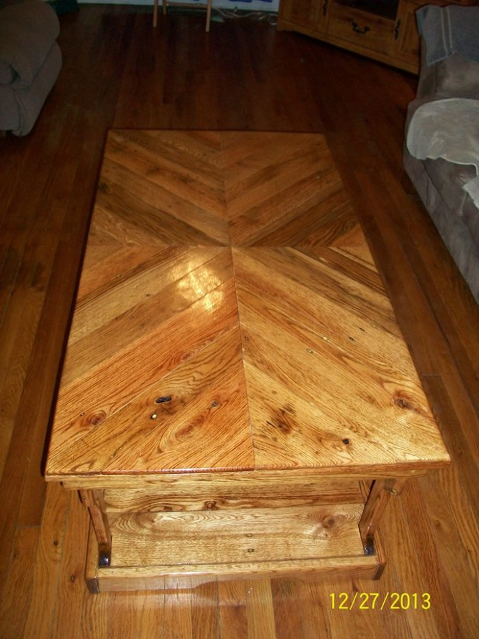 Coffee Table With Scrap Pallets