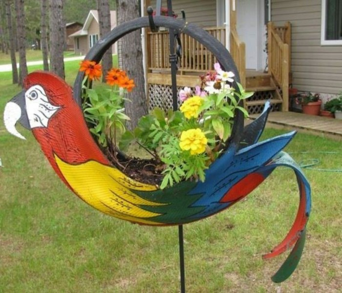 Ideas to decorate the garden using used tyre upcycle art - Garden ideas using tyres ...