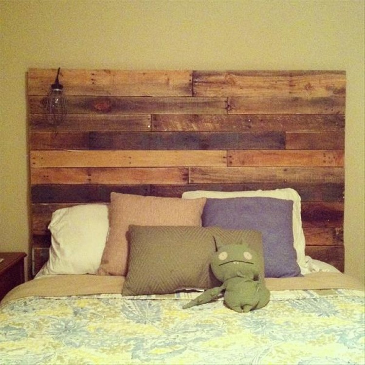 Recycled pallet headboards upcycle art for Recycled headboards