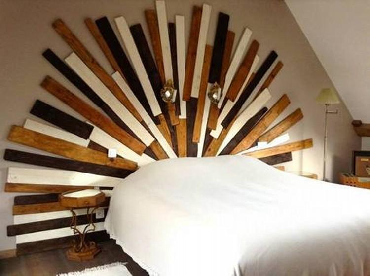 Wooden Pallet Headboard