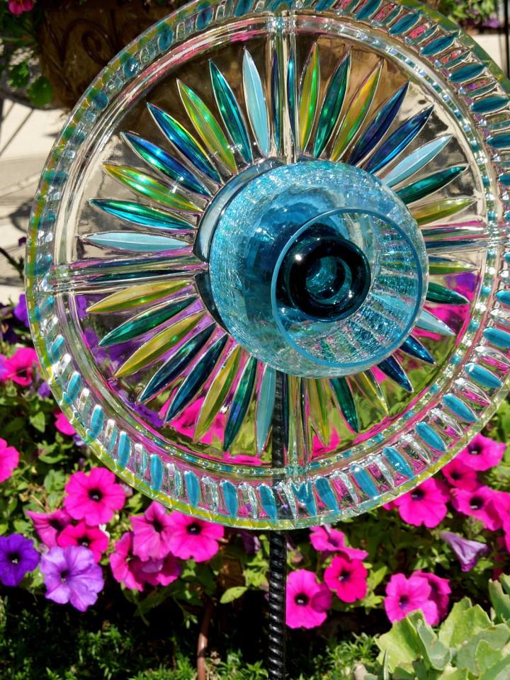 Garden Art Plate Flowers