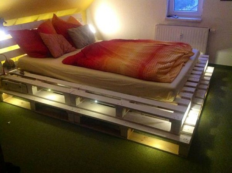 Light Pallets Bed
