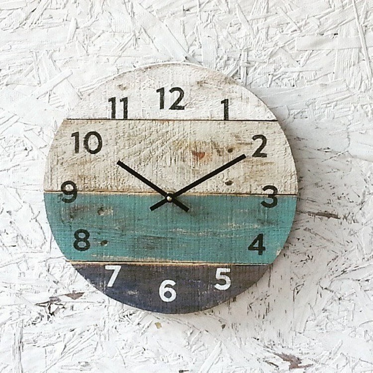 Pallet Upcycled Wood Clock