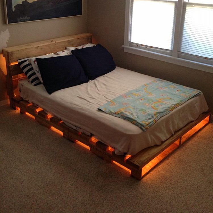 Pallet Wood Lighting Bed