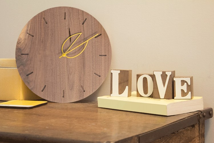 Reclaimed Wood Clock Designs