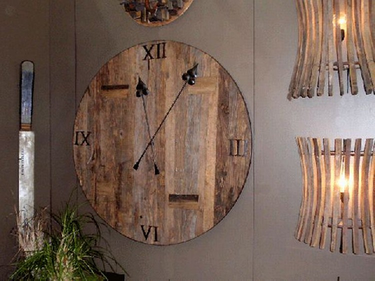 Funky Clock From Reclaimed Wood Upcycle Art