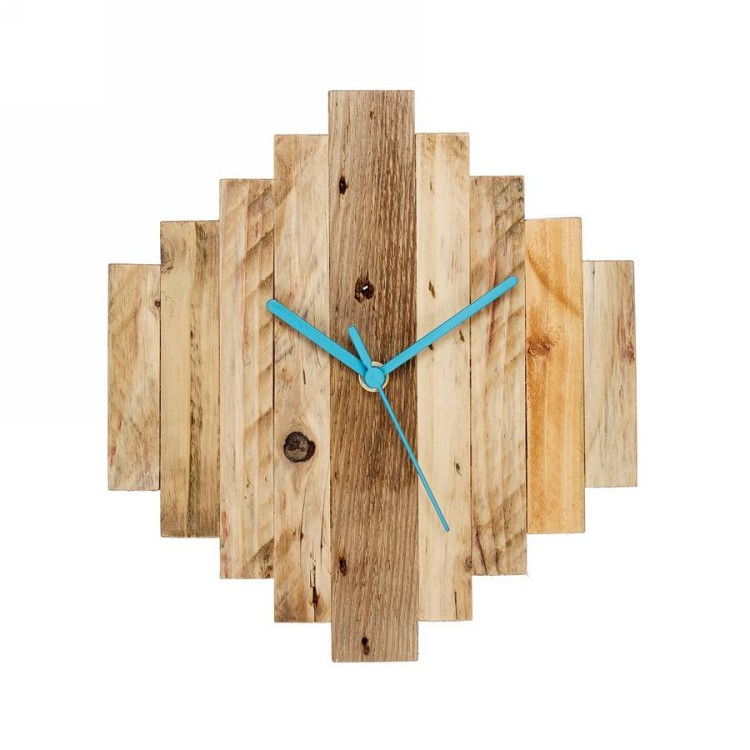 reclaimed wood pixel clock