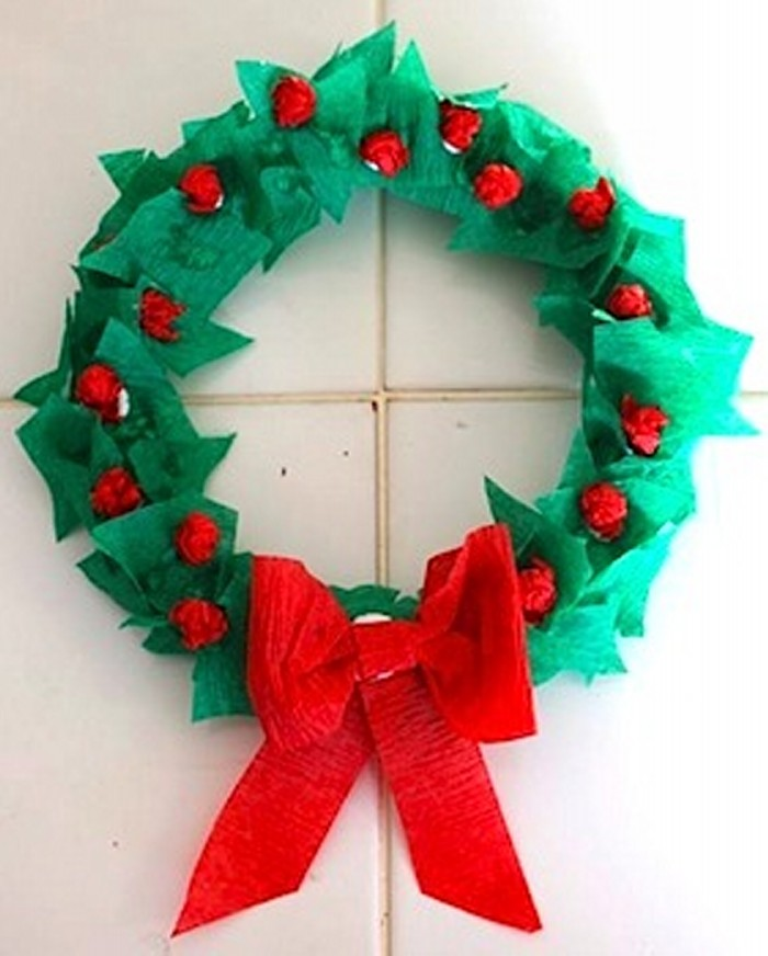 tissue paper wreath Christmas