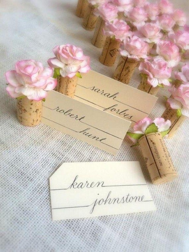 Crafts made with wine corks upcycle art for Wine cork crafts for weddings