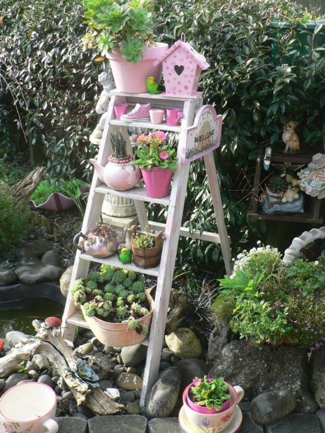Decorating ideas with plants upcycle art for Small garden decoration