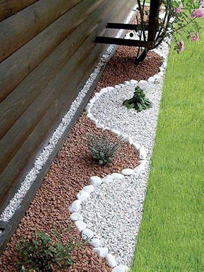 Garden Landscaping With Stones Upcycle Art