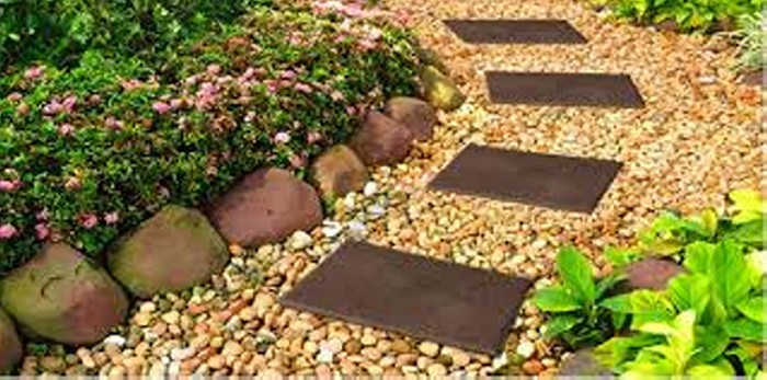 Garden Walkway Art Ideas