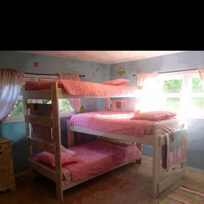 Multiple bunk bed ideas upcycle art for Girls bedroom decorating ideas with bunk beds