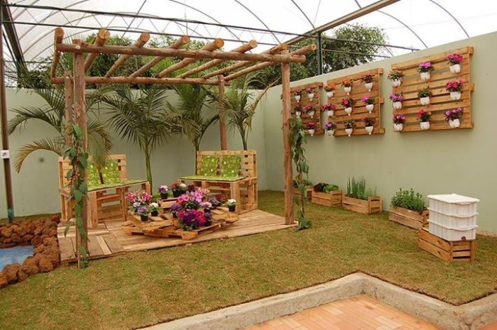 Pallet Deck made with Pallets