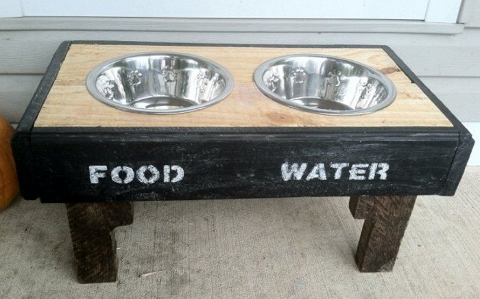 Pallet Dog Bowl Upcycling Ideas
