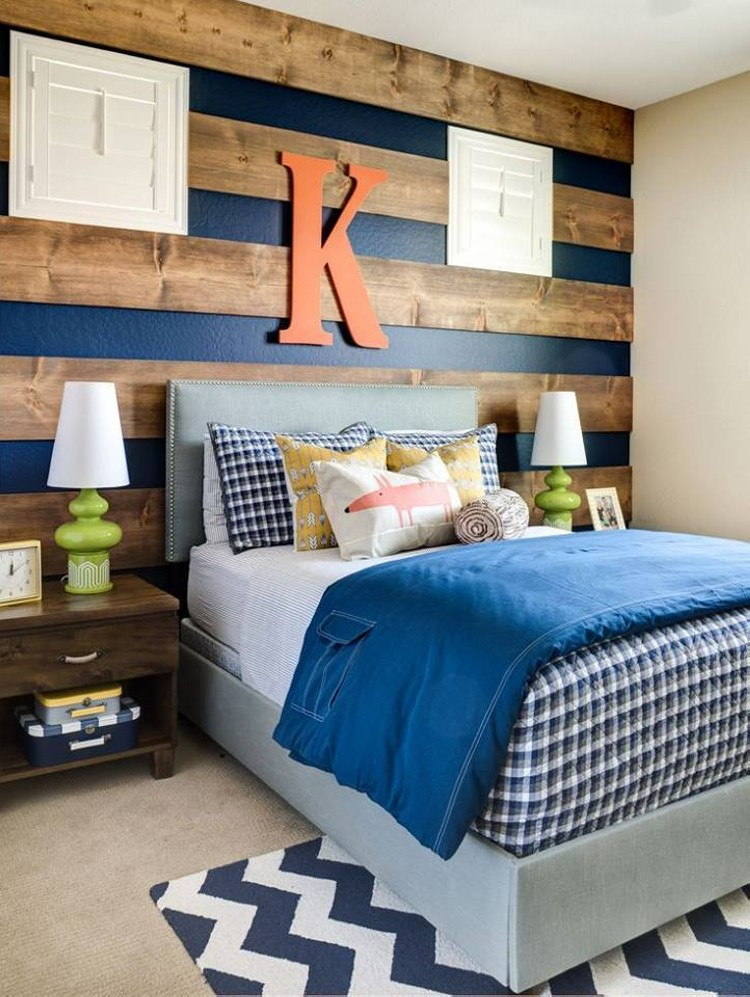 Wood Pallet Wall Ideas