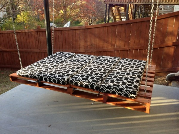 Wooden Pallet Hanging Bed