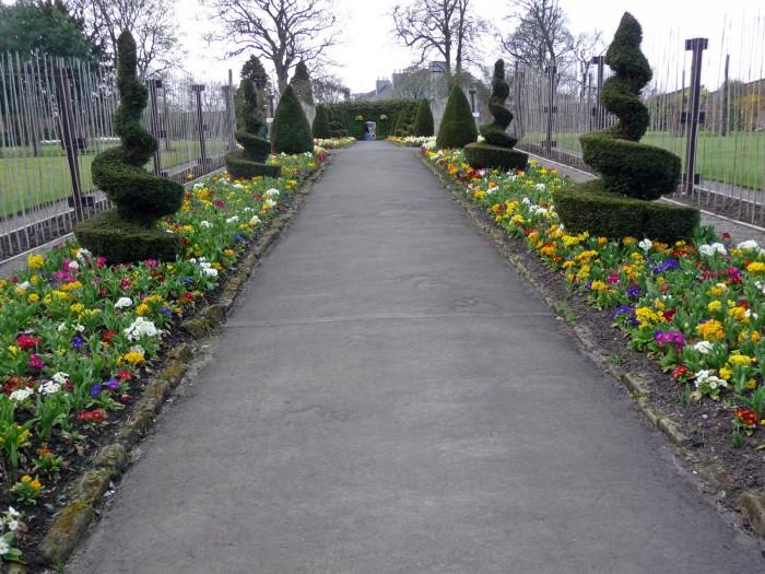 central garden walkway
