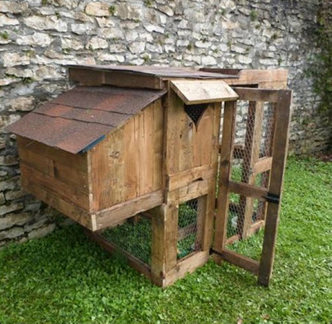 Chicken Coop From Wood Pallets