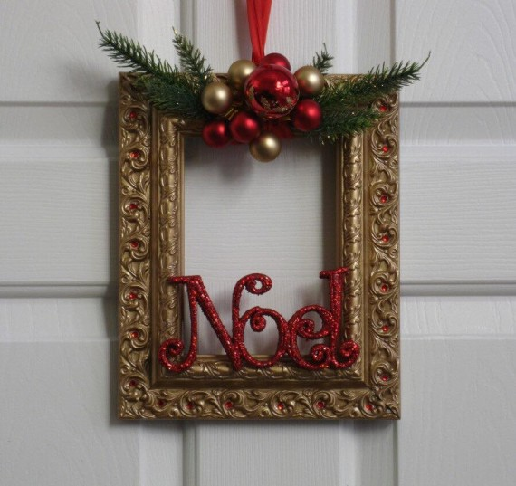 Christmas decorations with old photo frames upcycle art for Photo christmas decorations