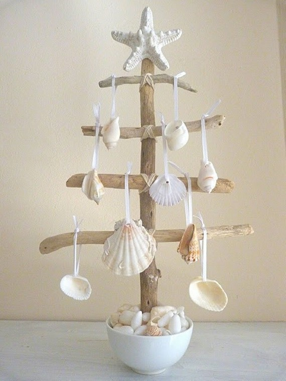 Driftwood Christmas Tree Idea