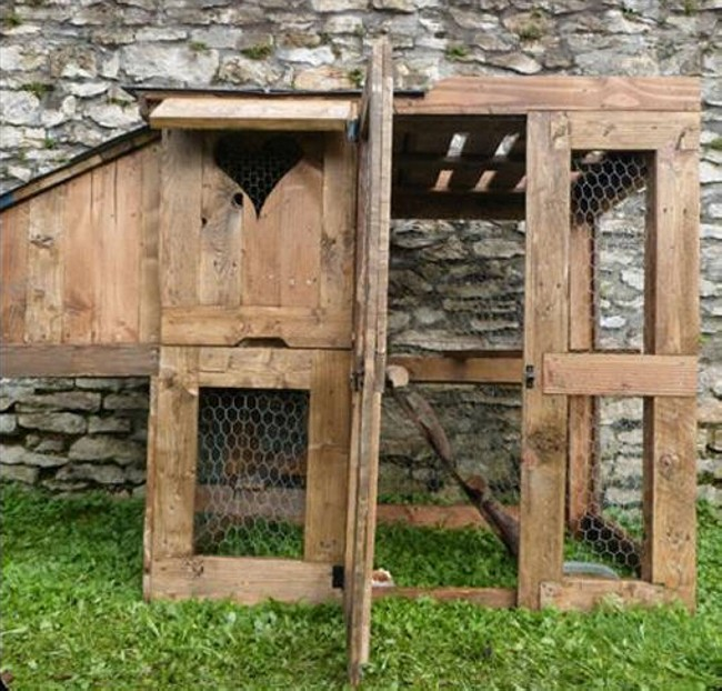 Pallets Wooden Chicken Coop