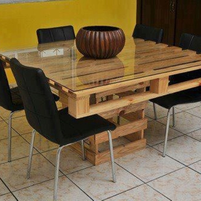 Recycled Old Pallets Dinning Table