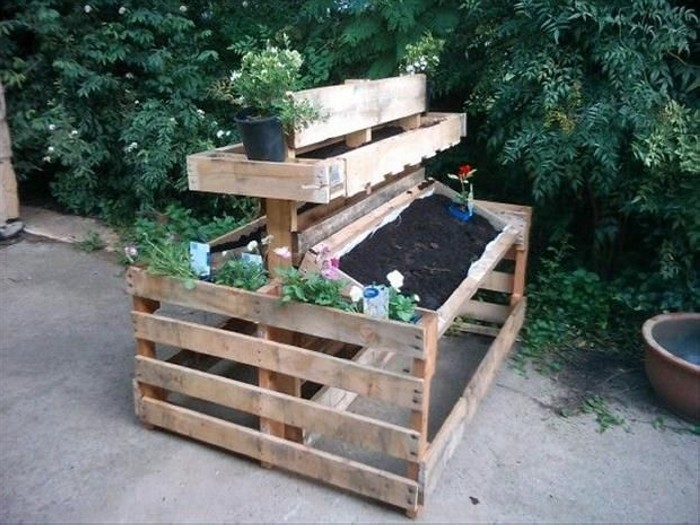Recycled Old Pallets Garden Planing