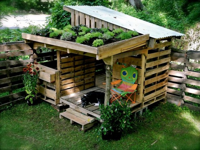 Recycled Old Pallets Garden Playhouse