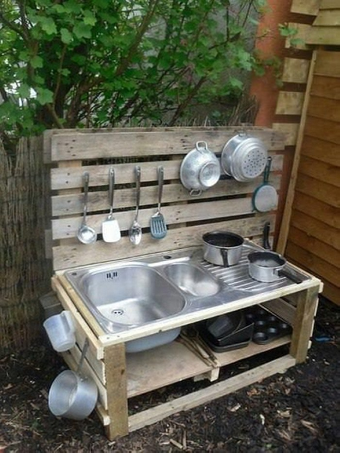 Recycled Old Pallets Mud Kitchen