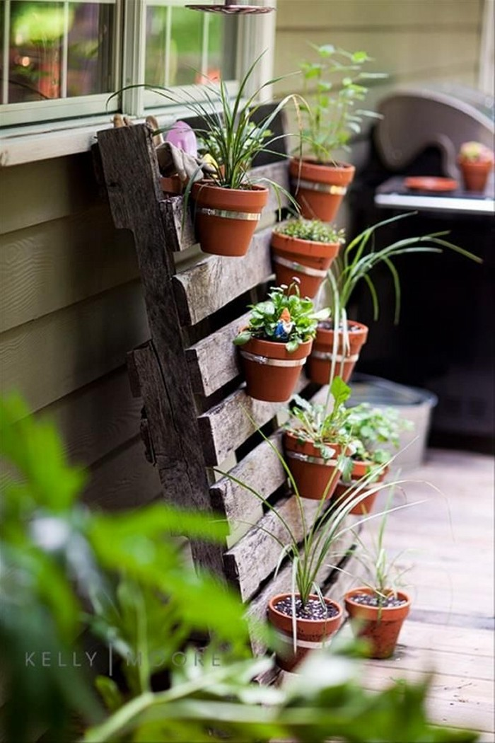 Recycled Old Pallets Planter