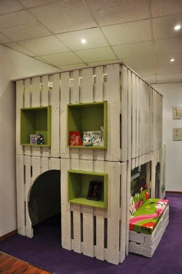 Recycled Old Pallets Playhouse