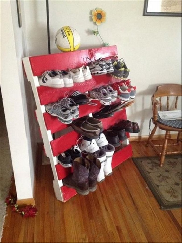 Recycled Old Pallets Shoe Rack