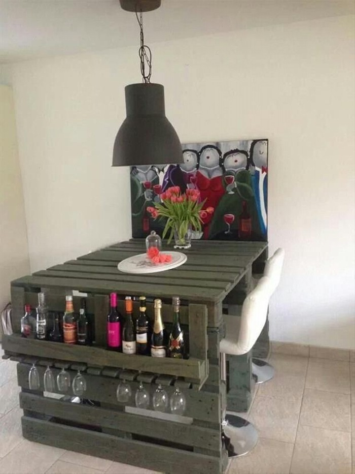 Recycled Old Pallets Table