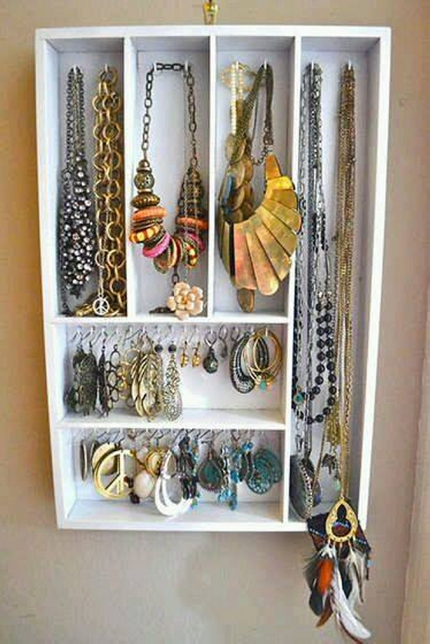 Jewelry Pallet Wall Shelves