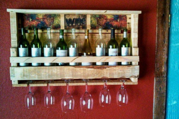 Pallet Bottle Holder Ideas