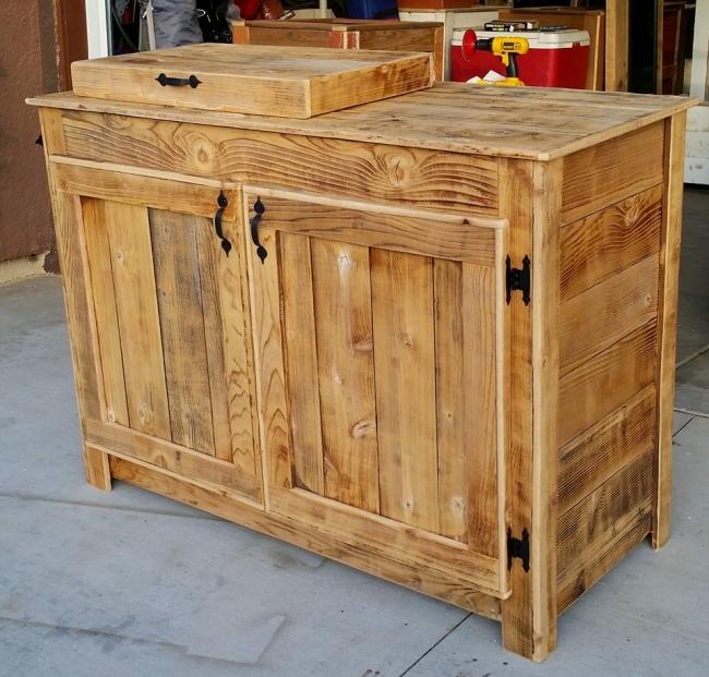 Pallet Wooden Cooler 2