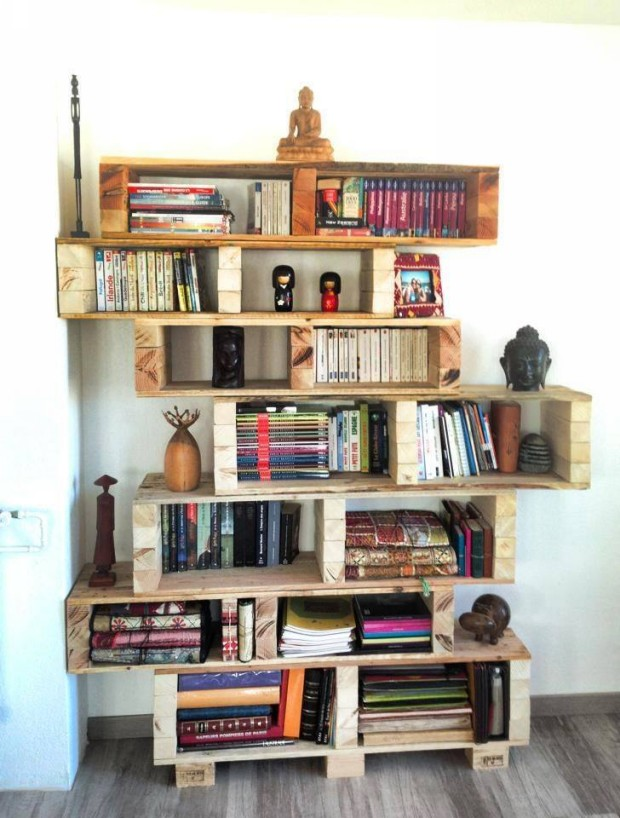 Upcycled Pallet Book Shelves