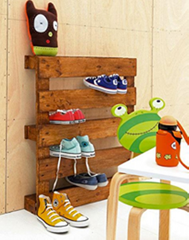 Upcycled Pallet Wall Shoe Rack