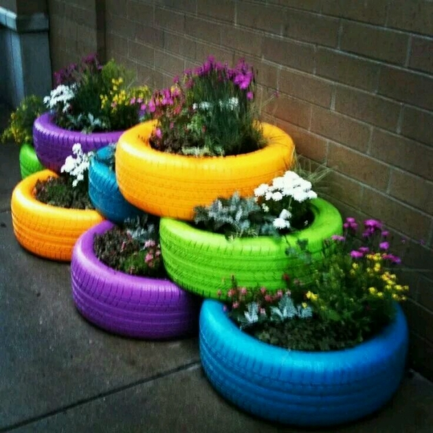 Planters with Reuse Used Tyres