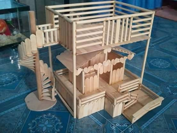 Wooden Sticks Upcycled Kids Playhouse Plan