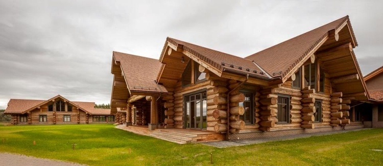 Cute Log Home in Moscow