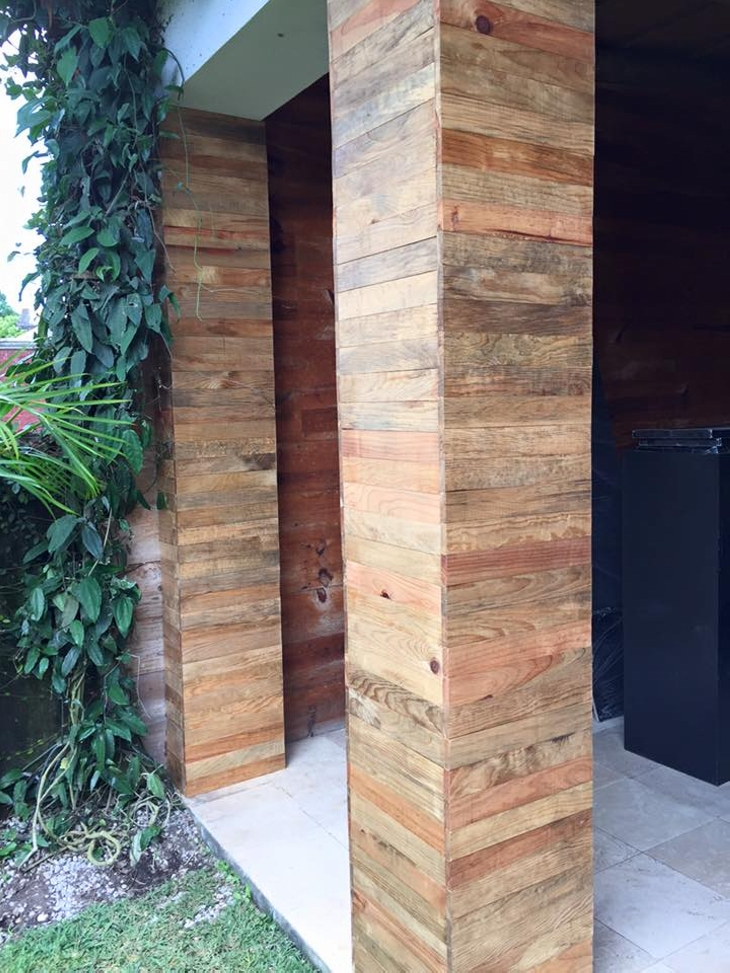 Pallet Wooden Columns