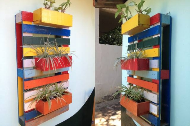 Recycled Pallet Wood Wall Planter