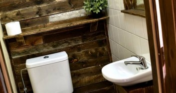 Recycled Pallets Bathroom