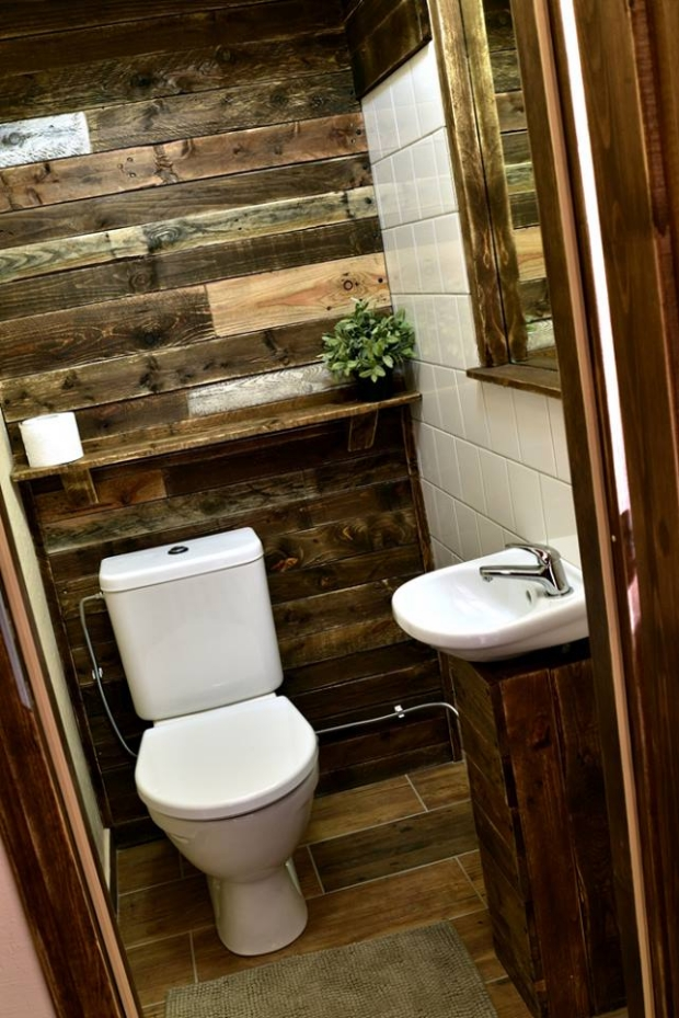 Bathroom Wall Decor With Recycled Pallets Upcycle Art