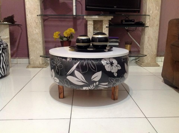 Coffee table out of used tyres upcycle art for Coffee table craft ideas