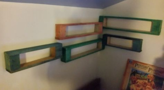 Wall Shelves Made With Upcycled Pallets