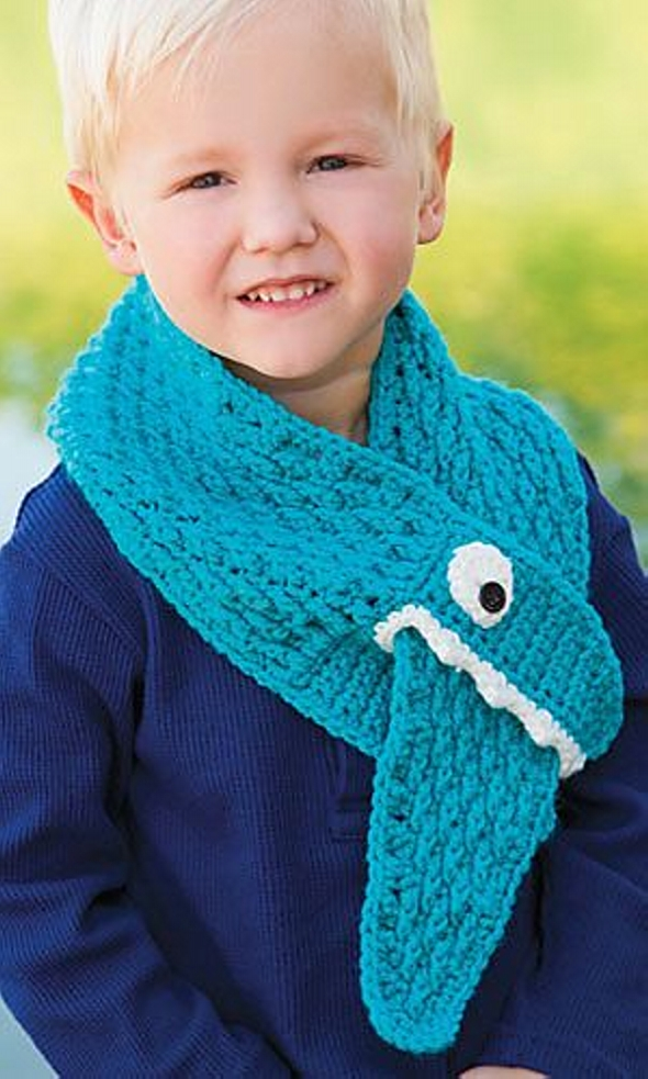 Crochet boy scarf