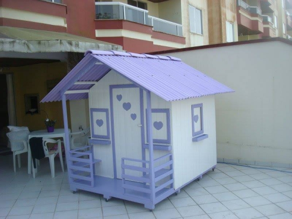 Doll Houses in Lounge